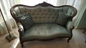 Graceful Carved Rosewood Loveseat Victorian Civil War Vintage