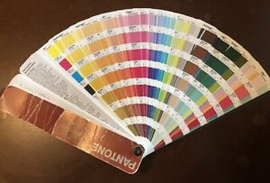 Collectible 2001 Pantone Formula Solid To Process Guide Complete Set
