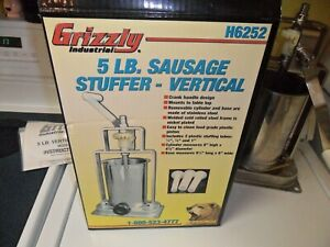 Grizzly Industrial H6252 Sausage Stuffer 5 Lb Vertical