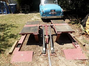 Used10 000 Lb Capacity Low Rise Car truck Pad Lift With 4 Tool nut bolt Pockets