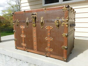 1920s American Canvas And Leather Mounted Trunk By Everlast Immaculate