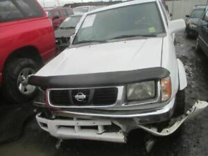 Carrier Front Axle 6 Cylinder Xe 265 70r15 Tires Fits 99 00 Frontier 13970039