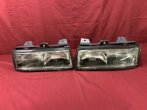 Nos Oem Chevrolet Corsica Headlamp Light 1987 1988 Pair