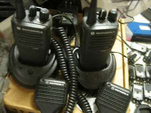 Lot 2 Motorola Cp200d Radios aah01qdc9jc2an Uhf 16 channel Two way W chargers