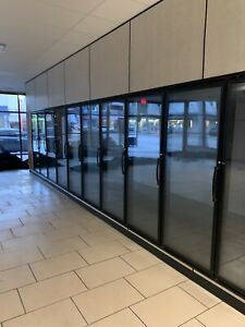 3 Yrs Used Walk in 12 Glass Doors Merchandiser Cooler With 1 Unit Refrigeration