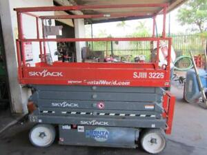 2017 Skyjack Sjiii 3226 Scissor Lift 26ft Platform 32ft Working Height