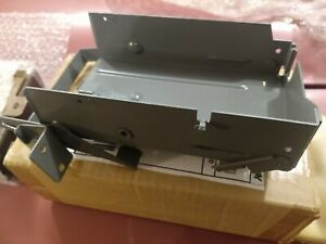1959 Buick 225 Transistor Radio Mounting Bracket In Glove Box Like New Condition