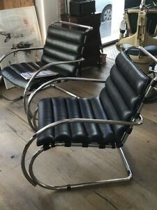 Two Authentic Vintage Mies Van Der Rohe Mr Lounge Chair By Knoll Year 1970 Ca