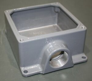 Hubbell Electrical Box D 55062 6 3 4 X 6 3 4 X 3 1 4 100 Cu In 1 1 2 Hub