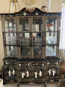 Vintage China Display Caninet And Hutch