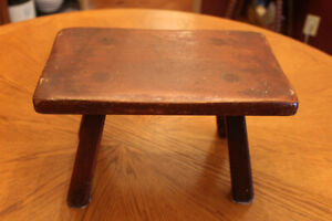 Vintage Original Cushman Colonial Cricket Foot Stool Bench 9038