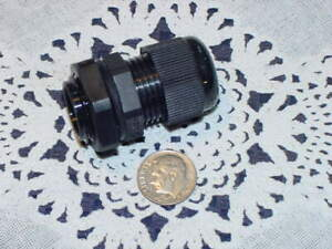 Five 5 Cable Glands 1 2 Npt Strain Relief Black Nylon Gasket And Lock Nut