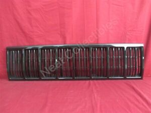 Nos Oem Jeep Cherokee Comanche Radiator Grille 1988 90