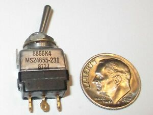 C h eaton Mil spec Toggle Switch Spdt On On 8866k4 Ms24655 231 Nos