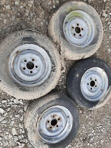 Gehl 2500 Skid Steer Loader 13 Inch Wheel Wheels Tires Tire Set