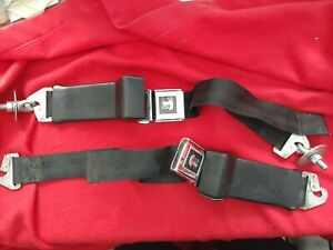 Pair Of Vintage Triumph Seat Belts With Triumph Shield Used Tr2 3 4 4a 6