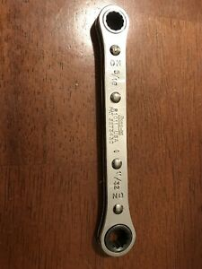 Vintage Snap On Tools 5 16 11 32 Box Ratcheting Wrench 12 Point R1011 Standard