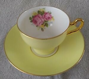 Vintage Royal Taunton China England Red Roses Flowers Yellow Cup And Saucer