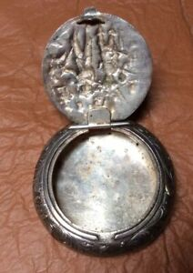 Vintage Sterling Repousse Snuff Pill Box Coin Tobacco London Hallmarked Lion