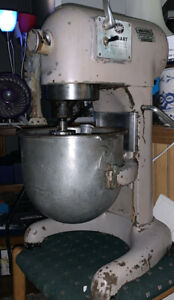 Hobart C100 Mixer With Bowl Whip And Paddle