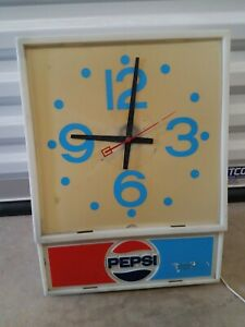 Vintage Pepsi Cola Clock Soda Pop Advertising Wall Light Up Sign FREE SHIPPING