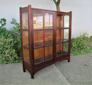 Antique Good 2 Door China Cabinet By L Jg Stickley W4239