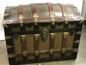 Antique Vtg Dome Trunk Chest Steamer Classic Victorian With Complete Tray