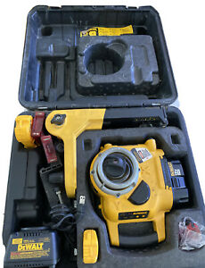 Dewalt Dw077 Cordless Rotary Laser Level W Charger And Laser Detector
