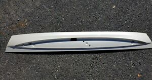 Bezel Only White 03 Cadillac Escalade Suv Esv Rear Lift Gate For 3rd Brake Light