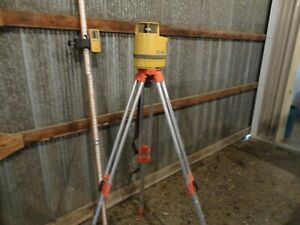 Topcon Rl hb Rotating Laser Level Receiver Tripod And Target Stick