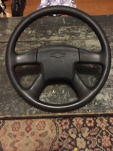 2004 Chevy Trailblazer Steering Wheel And Oem Airbag In Good Condition