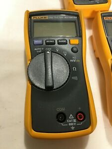 Fluke 114 Compact Electrical True Rms Digital Multimeter Lightly Used no Cables