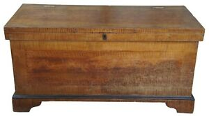 Early 19th Century Pennsylvania Pine Painted Grain Trunk Or Blanket Chest 58