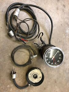 Stewart Warner Curved Glass Tachometer 6 Volt May Be Nos