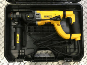 Dewalt D25263k 1 1 8 Corded Sds D handle Concrete Rotary Hammer Drill W Case