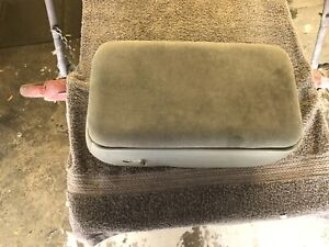 1998 2004 Ford Ranger Gray Cloth Center Console Arm Rest 2 Bolt Style Oem 99 00