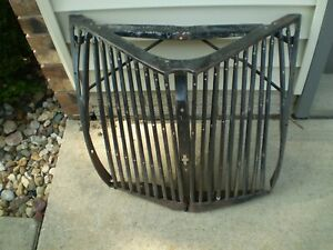 1939 Ford Deluxe Grille