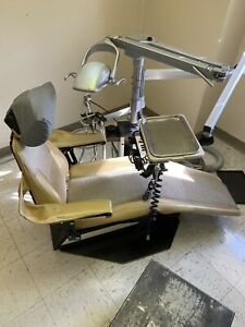 Adec 1005 Dental Chair W Adec Delivery System And Pelton And Crane Light