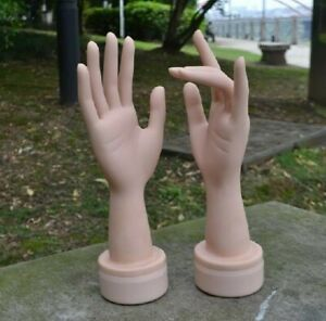 Left And Right Life size Dummy Arbitrarily Bent soft pose Mannequin Hand