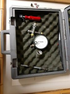 Fuel Injection Gauge Pressure Tester Test Car System Pump Tool Kit