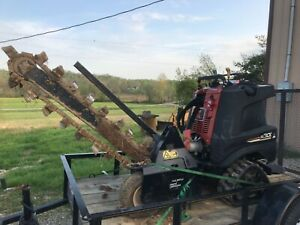 Ditch Witch Trencher Zahn R300 Tracks 30hp 48 Chain Stand On