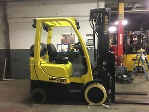 2017 Hyster 4000 Lb Forklift With Quad Mast And Side Shift Max Lift Height 240in