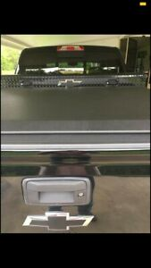 Access Tonneau Cover 14 18 Chevy gmc 1500 5ft8in Bed