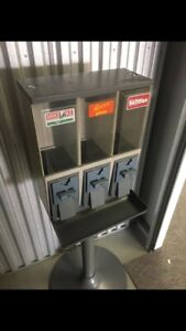 Vendstar 3000 Used Candy Vending Machine 3 Slot Need New Locks And Keys