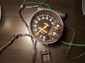 Autometer Auto Gage Memory 5 Tachometer With Blue Shift Light233902 06