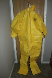 Dupont Tychem Qc 122 Byl Lot Of 3 2xl Suits new As Shown