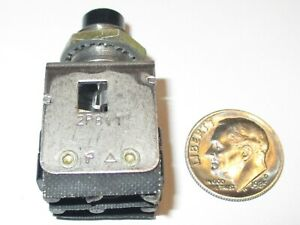 Honeywell micro Switch 2pb11 Dpdt Momentary Push Button Switch Used good