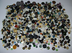Lot Of Vintage Antique Assorted Buttons Mop Bakelite Over 3 Pounds