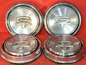 1968 69 Ford Torino Gt Fastback Cobra Hubcaps Center Caps Set Of Four Used