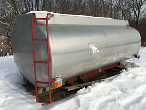 Mounted Truck Tank Aluminum Chambered Fire Water 2800 Gallons Allied Company